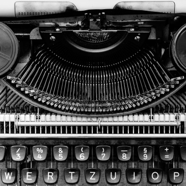 Horror - Antique - Typewriter